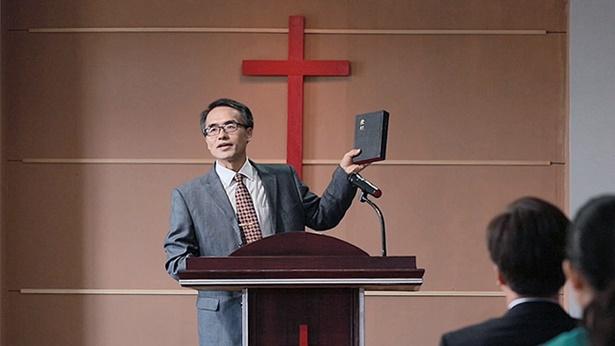 2. O mundo religioso acredita que toda a Escritura seja inspirada de Deus e que sejam todas palavras de Deus; como se deve discernir a respeito dessa afirmação?