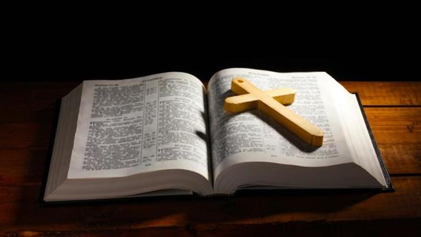 Pergunta 3: O Próprio Senhor Jesus disse que a Bíblia é Seu testemunho. É por isso que nossa crença no Senhor deve se basear na Bíblia. A Bíblia é a nossa única senda para conhecer o Senhor.